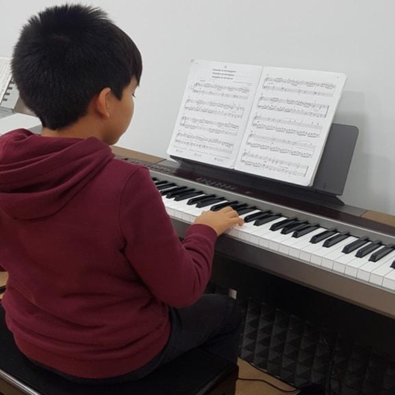 taller-piano-keys
